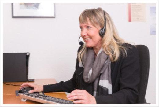 Gisela Kaim bei der Arbeit
